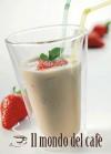 Caffè shakerato con fragole marinate
